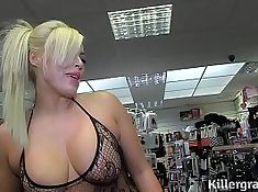 Blonde Milf Fisted And Banged Near Lot of Cocks