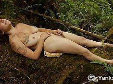 Busty amateur nicely fucked in outdoor
