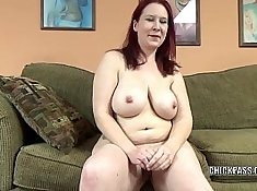 mature redhead with perfect body gives awesome blowjob