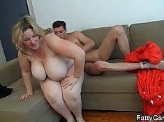 Busty curvy blonde spreads legs for hardthroat